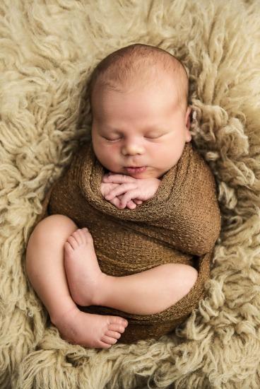 Newborn Photographer South Staffs Wolverhampton - Sebastian